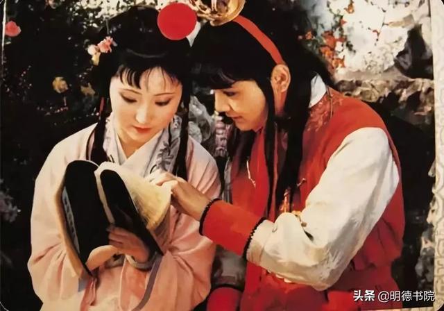 """为何宝玉对黛玉情有独钟?""""林怼怼""""式爱情正流行"""