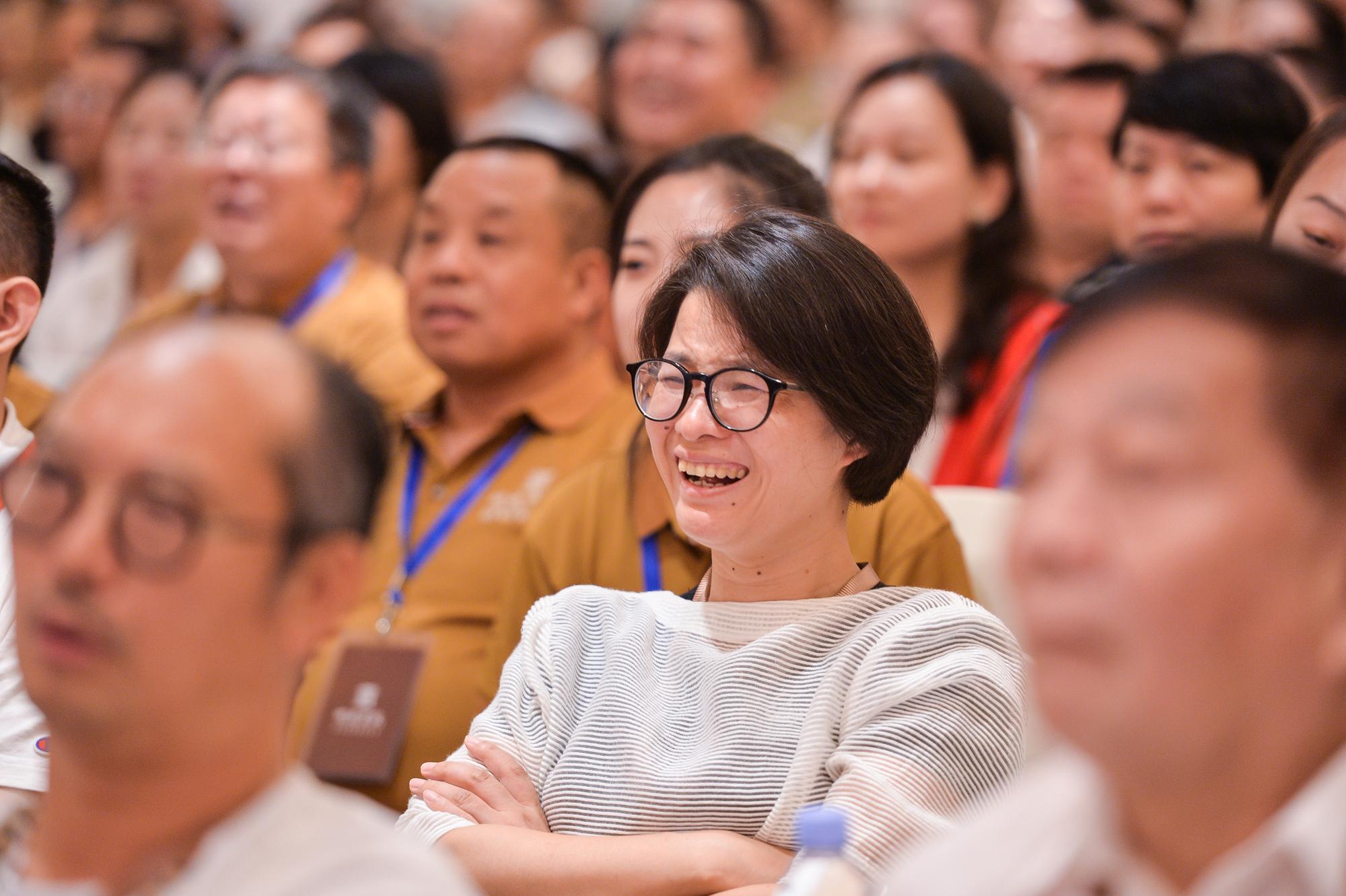 2019首屆明德儒商論壇在深圳舉行,金一南教授應邀演講!