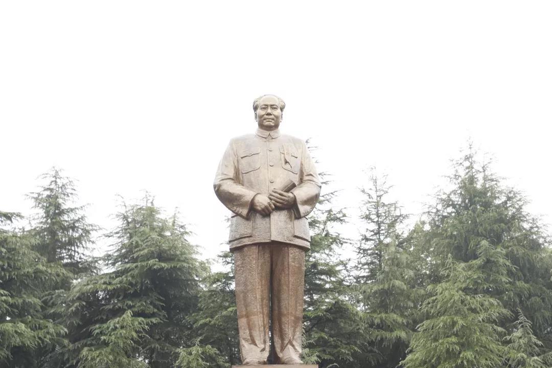 明德书院「国学总裁班」追忆毛主席文化之旅