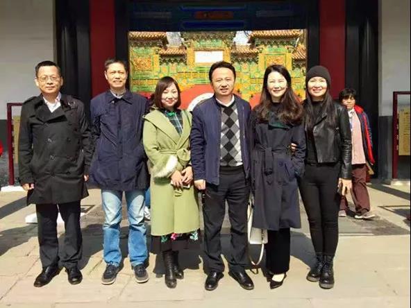 明德书院院长李厚德一行参观北京国子监